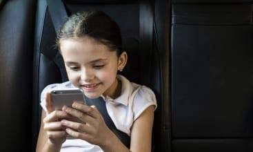 Publicitatea adresată copiilor nu e publicitate, ci manipulare