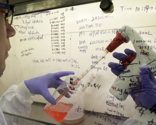 Țara, banii și ordinea la vaccinare